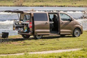 Toyota Proace Verso in Duitsland ook met Ququq camperinrichting bij de dealer