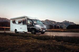 Compacte Carado Van V339 Europa Edition