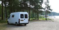 Alnon/Skärgärdsvägen: pracht plekje aan het strand. Verboden voor tenten en caravans. [© Campersite.nl]